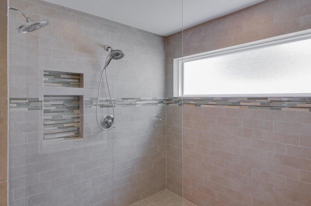 The-Linwood-Master-Shower-1024x679_c